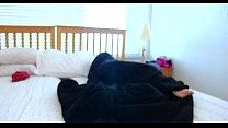 Нахальный муженек потискал равно трахнул спящую супругу